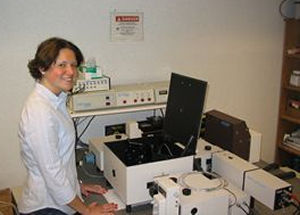 Female research student using the QuantaMaster fluorometer