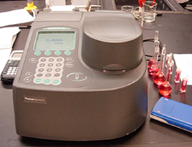 Thermo Spectronic Genesys 10 spectrometer