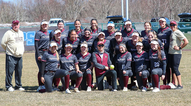 Photo of the Kutztown University Softball team the day coach Judy Lawes earned her career victory No. 1,000.